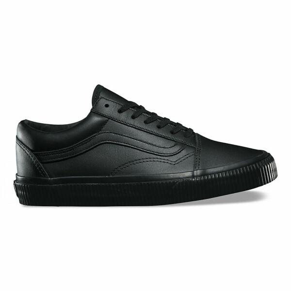 vans fekete bőr gördeszkás cipő fekete gumi talppal és fekete vans csíkkal az oldalán