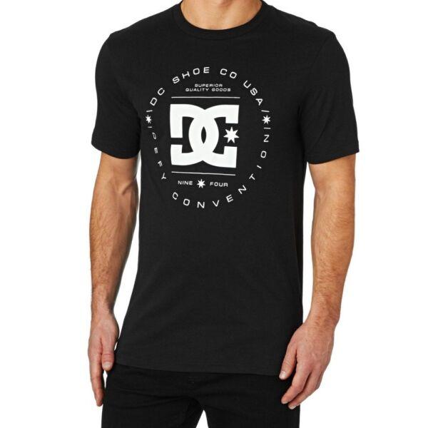 fekete rövid ujjú DC póló, fehér kör DC mintával